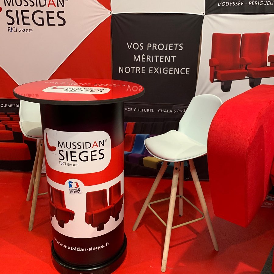 creation-de-stand-salon-rollup-mange-debout-specialiste-du-siege-mussidan-sieges-dordogne